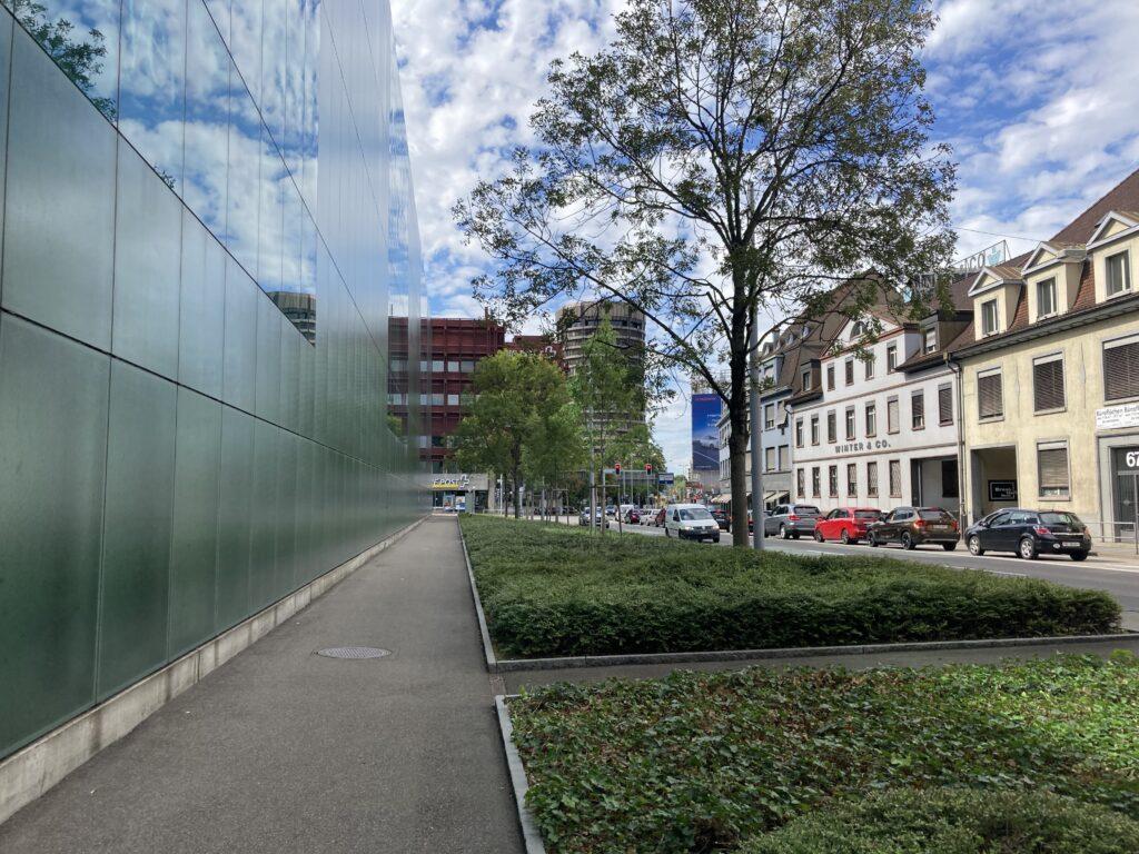 Der Nauenstrasse entlang und zurück
